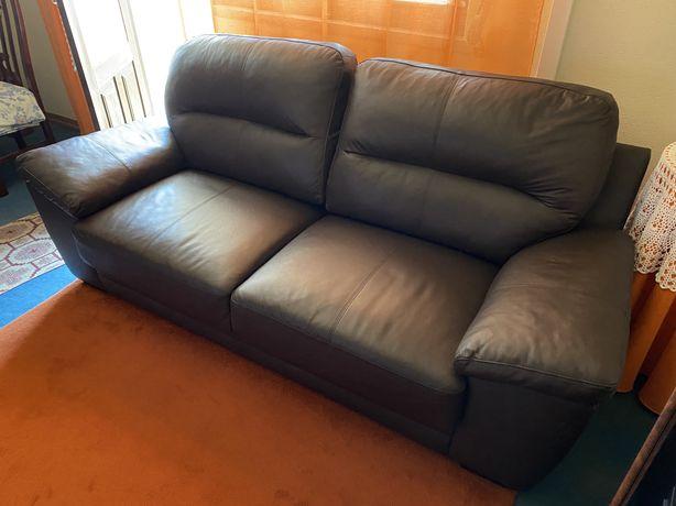 Sofa em Pele Sintética Castanho Chocolate Casa Sala Relax