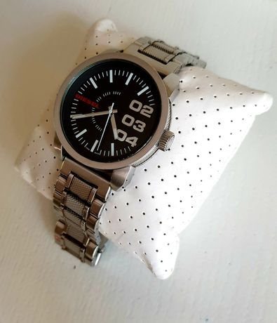 Продам часы  DIESEL