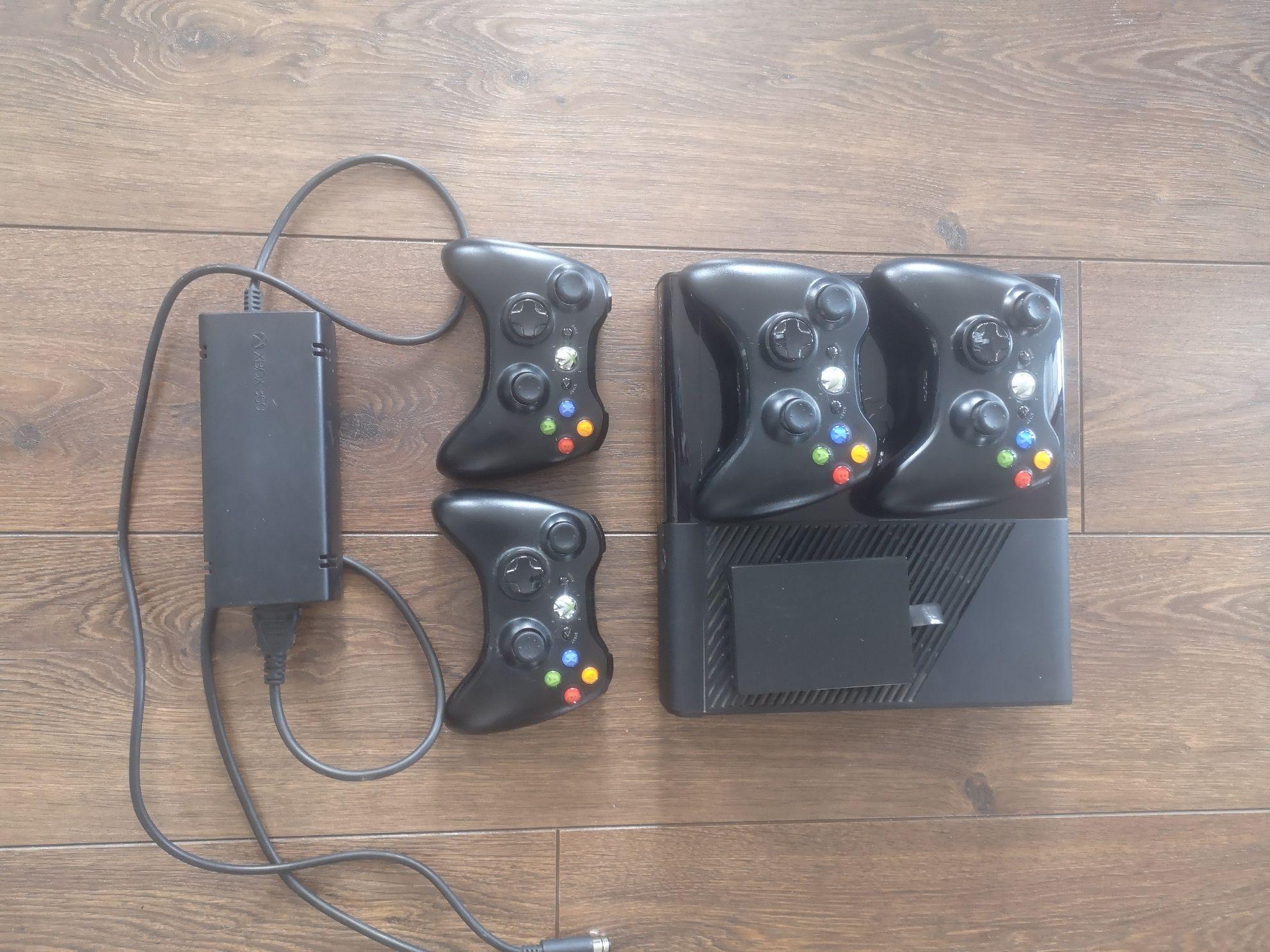 Xbox 360 E 4GB 4 pady