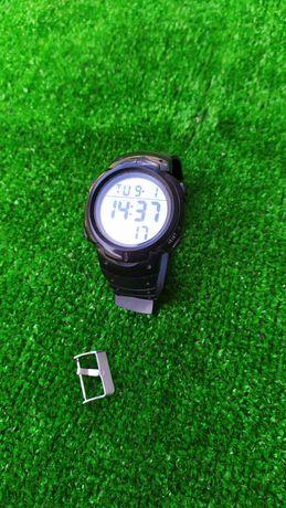 Наручные электронные часы електронний годинник