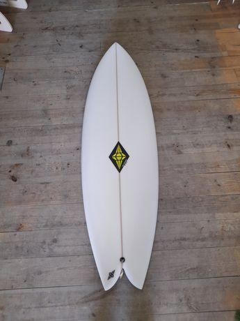 Prancha Surf Twin Fin NOVA