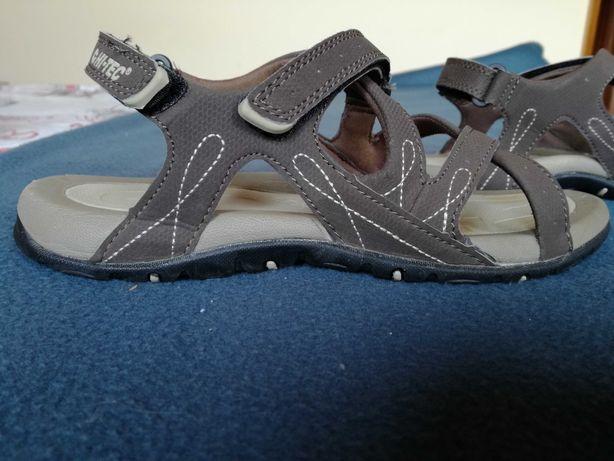 Sandálias da Decathlon