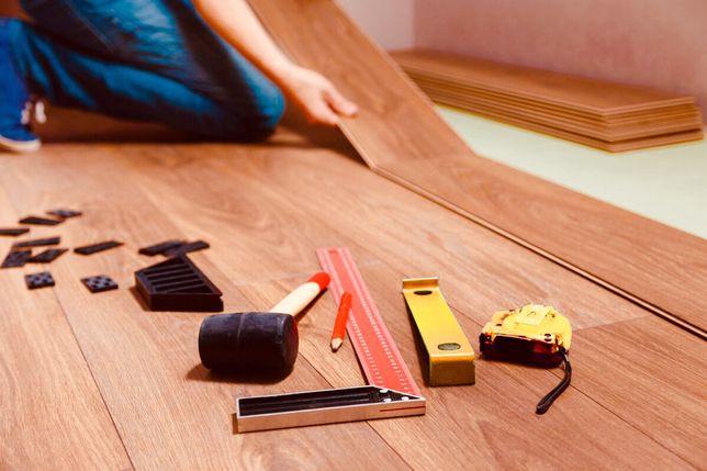 Montaż, układanie paneli podłogowych, deski barlineckiej, jodła