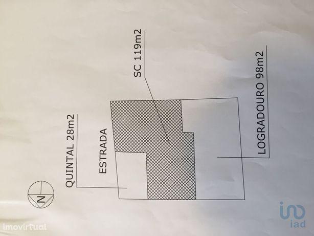 Moradia - 238 m² - T3