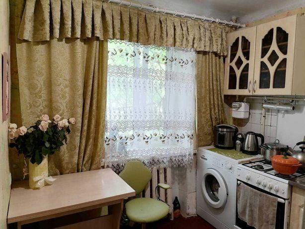 №10 Продам 2х комнатную в кирпичном доме на среднем этаже