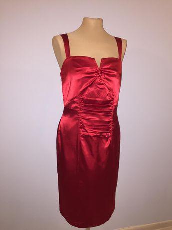 Czerwona sukienka koktajlowa na ramiączkach