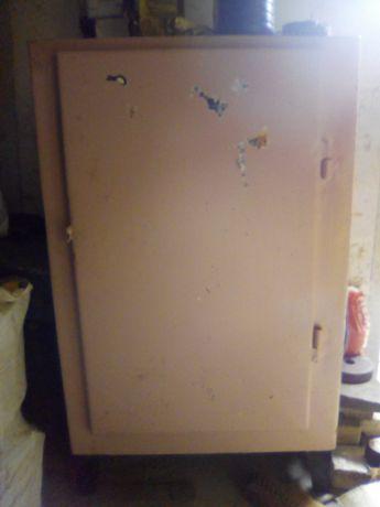Продам шкаф металлический для гаража