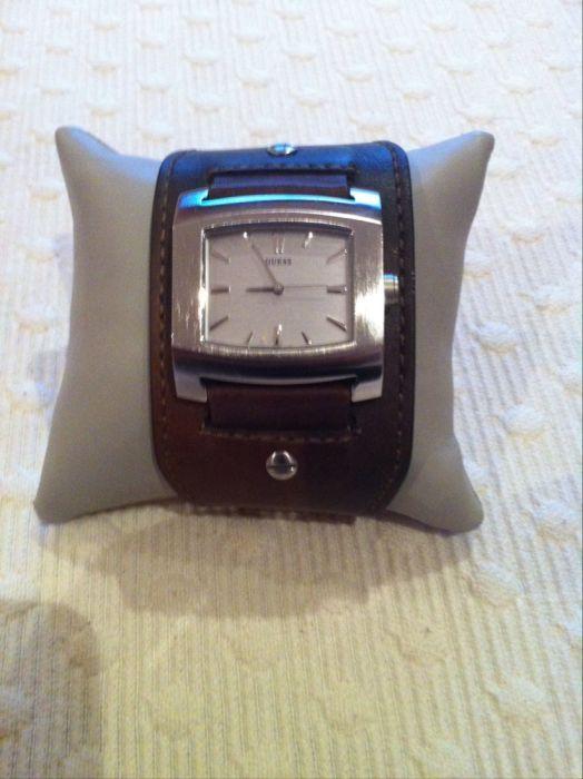 Relógio Bracelete em pele para Homem Guess Samil - imagem 1