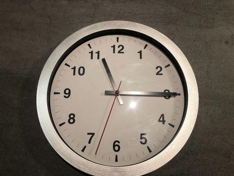 Zegar ścienny Ikea Tjalla w pełni sprawny na 1 baterię 28cm
