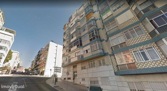 Apartamento T2 c/ arrecadação e elevador no Monte Abraão - Queluz