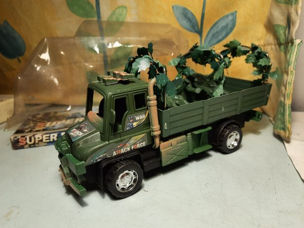 Машинка игрушка военная техника поастик китай солдатики грузовик