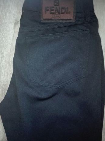 Spodnie damskie wloskie Fendi Roma czarne rozmiar 36