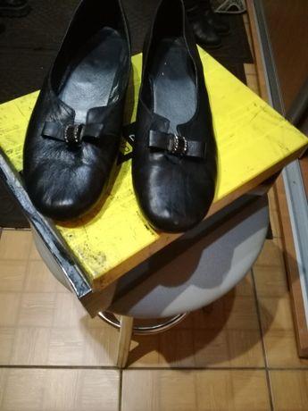 Продам туфли женские б/у