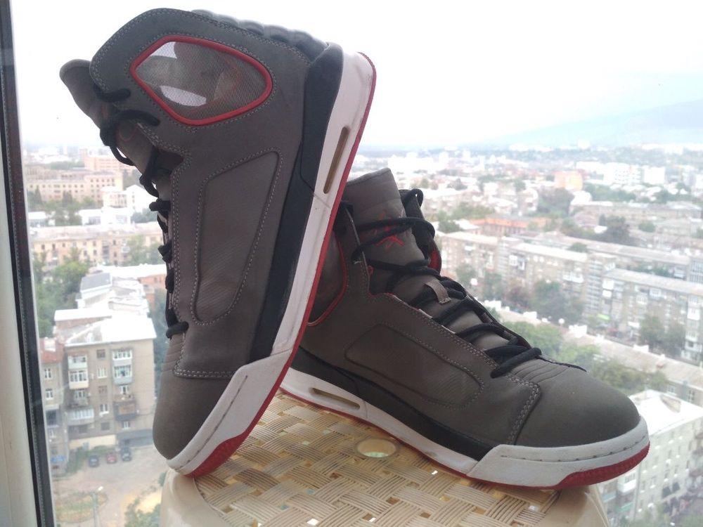 Кроссовки JORDAN Original привезены из штатов, по стельке 29.5 см