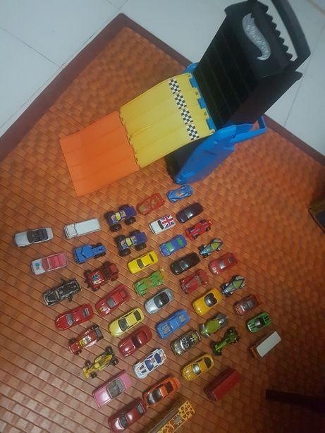 Lote de 43carros majorette, matchbox, Hotwheels