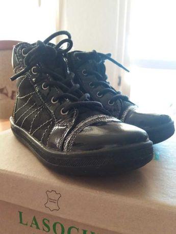 Sprzedam przejściowe buty dziewczęce, rozmiar 26 firmy Lasocki