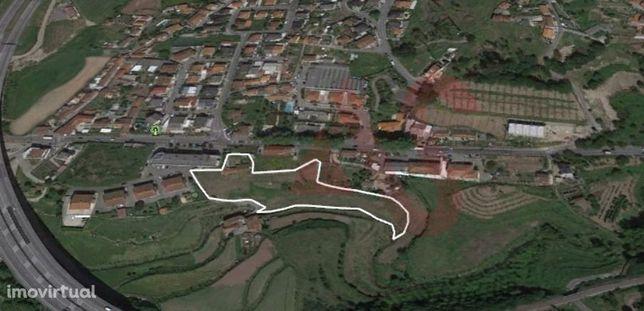 Moradia para restauro em Nespereira, Guimarães