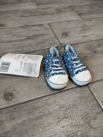 Nowe. Buty, buciki dzieciece BUGS & HUGS. Gwiazdki Rozmiar 21