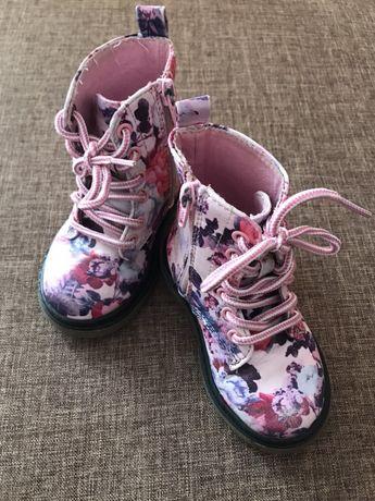 Черевички ботинки сапожки