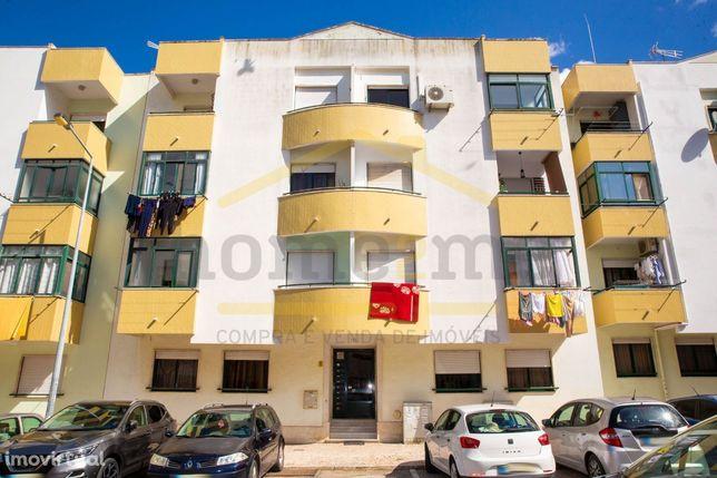 Excelente Apartamento T2 com arrecadação- Castanheira do Ribatejo