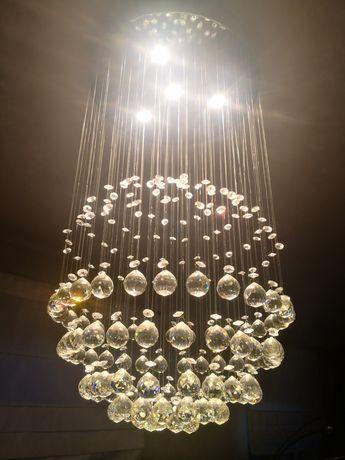 Lampa wisząca z kryształkami ze szkła
