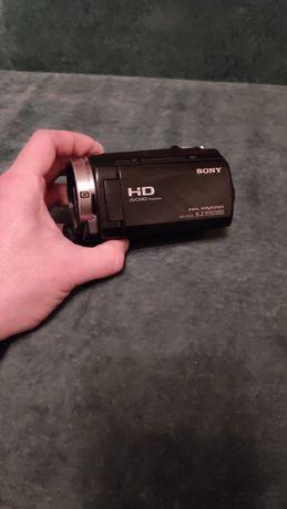Продам видеокамеру Sony HDR-CX530E