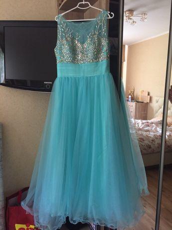 Шикарное свадебное мятное платье