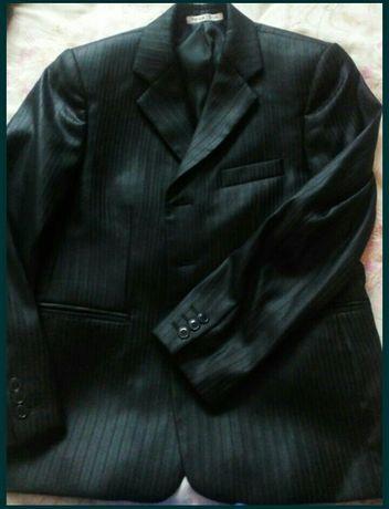 Продам костюм на подростка с рубашкой б/ у
