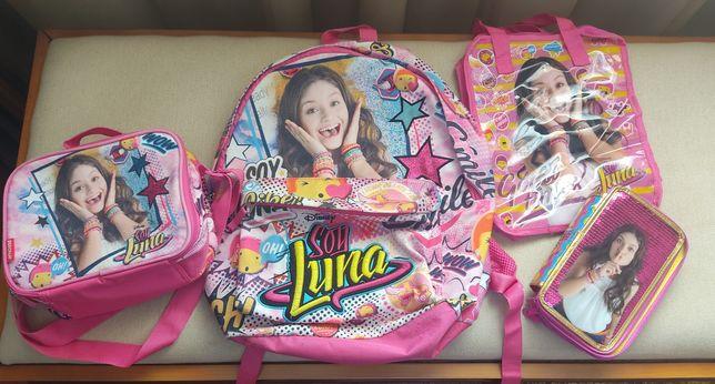 Conjunto de escola ( Soy Luna)