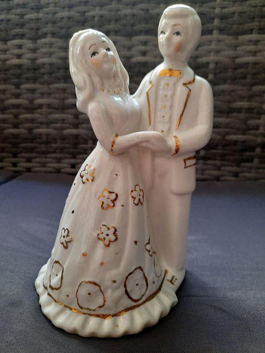 Casal de noivos em porcelana São João Batista - imagem 1
