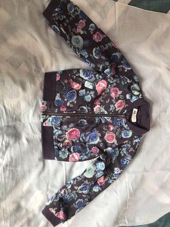 Куртка- бомбер на девочку весенняя