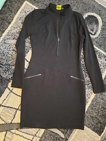 Sukienka czarna z zamkami
