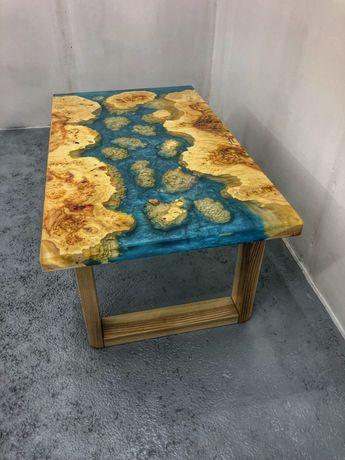 Журнальный столик. Каповый клён и смола