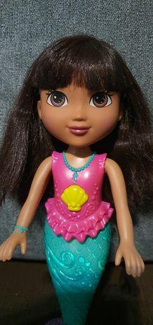 Dora , Świecąca Syrenka