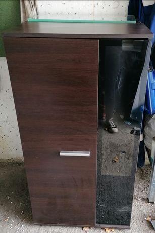Dwie szafki i półka wisząca