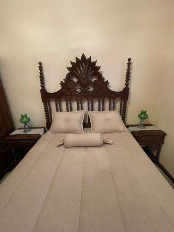 Mobilia de quarto estilo antigo