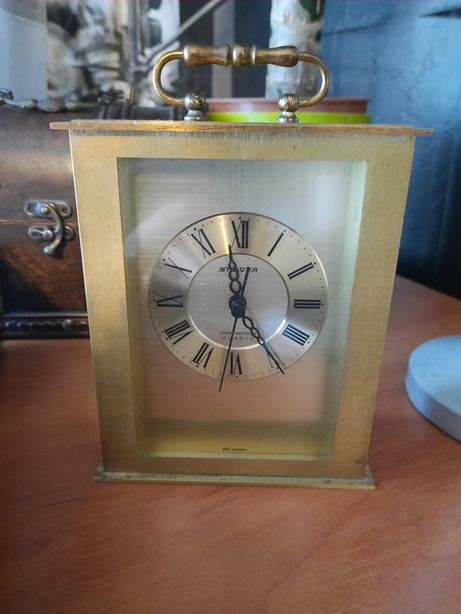 Zegar kareciak kwarcowy Stager