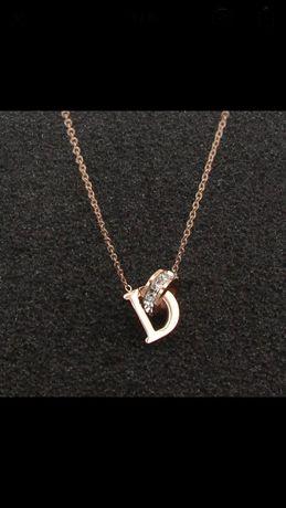 łańcuszek literka D pozłacany kryształki