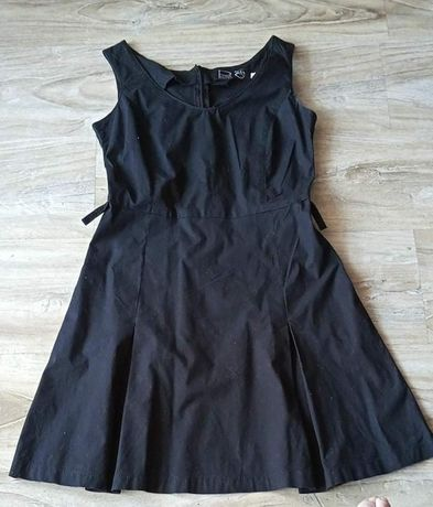Czarna sukienka rozm. 36