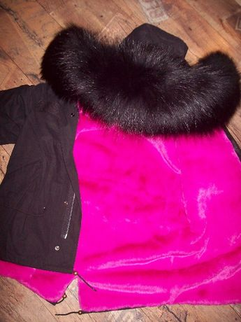Kurtka parka czarna różowe futro naturalne 40 L
