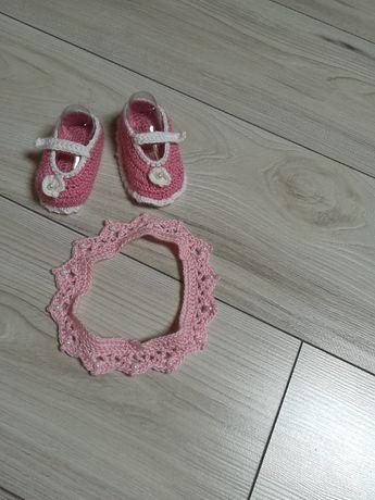 Nowe szydełkowe buciki i opaka dla dziewczynki