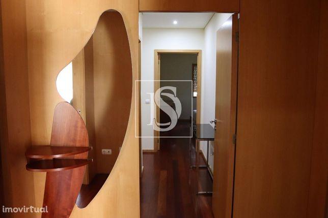 Apartamento T3, em condomínio fechado C/Piscina - Povoa de Varzim
