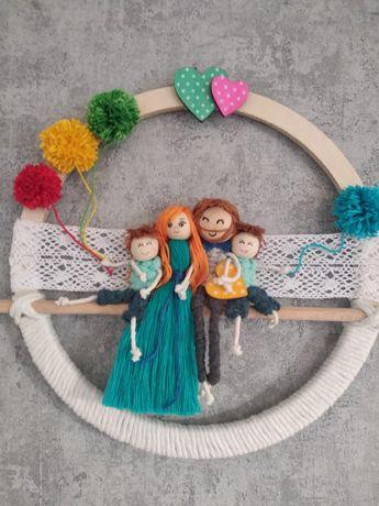 Rodzina laleczki ozdoba portret makrama