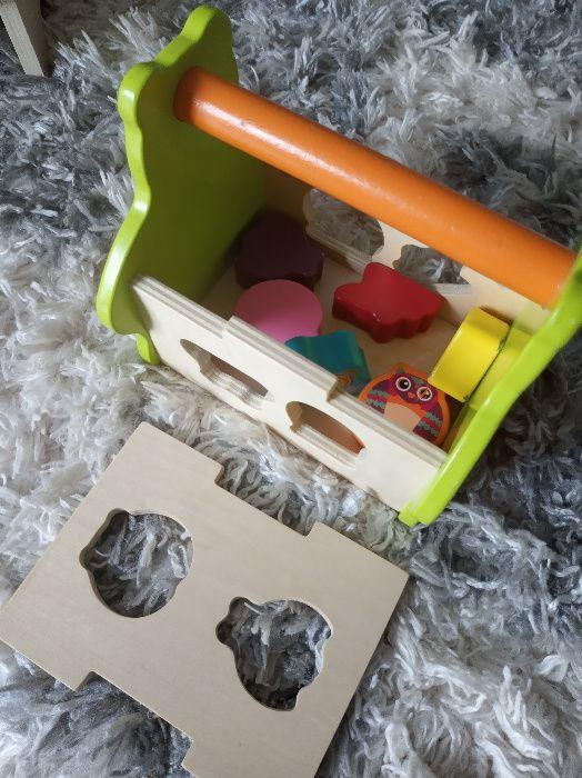 drewniany kuferek z puzzlami zwierzakami Żory - image 1