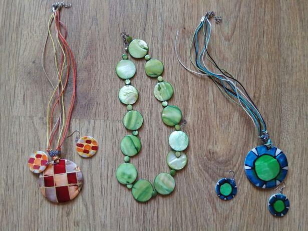 Naszyjniki i kolczyki z masy perłowej