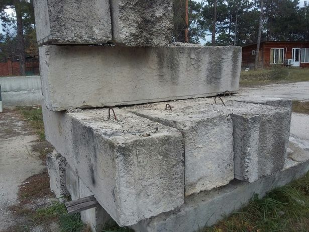 блоки фундамента бу,плиты.