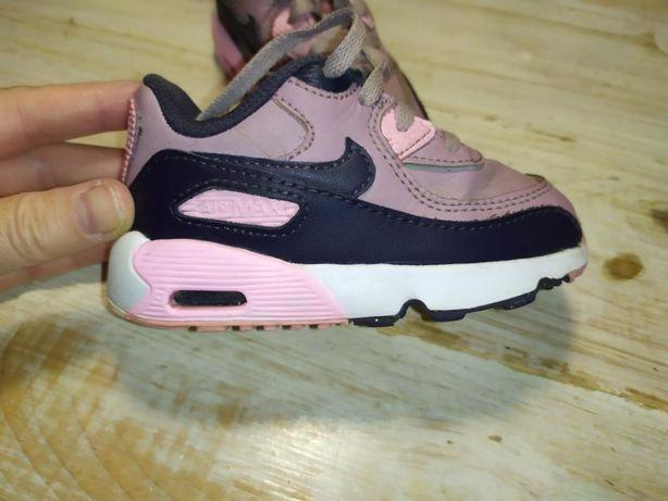 Спер классные детские кроссовки Nike