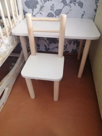 Продам детский столик с стульчиком