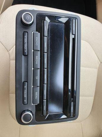 Fabryczne radio Bosch RDC 310 do VW Passat B7