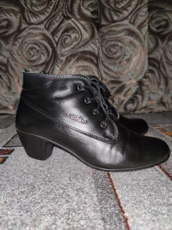 Кожаные женские ботинки.38р.